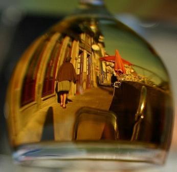 Accesit: Besim Hatinoglu (Porto through a glass of Port wine, Porto)