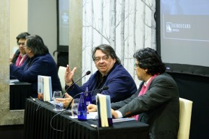 Jesús Ruiz Mantilla y Fernando Iwasaki en la cata literaria Wine & Books del Eurostars Sevilla Boutique