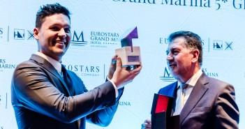 Andrei Zerebecky, ganador del primer concurso Eurostars Hotel Lab, junto a Amancio López Seijas, presidente de Grupo Hotusa