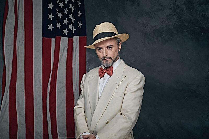 Darío Paso como Mayer Lehman